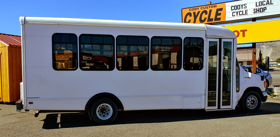 For Sale Used 2006 Ford E450 21 Passenger Bus Stick Shift Motors Cody, Wyoming